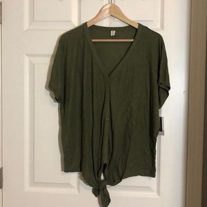 NWT bp Button Front Knot Hem Tee Size M
